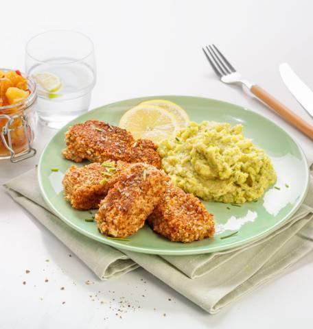 Fish sticks, purée brocoli-pommes de terre et compote de pommes