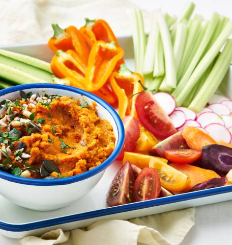 Sauce dip aux carottes grillées et mini légumes