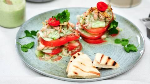 Tourelle de tomate-crevettes à la sauce coco-coriandre