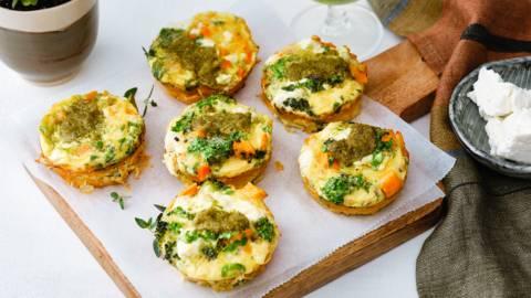 Muffins aux œufs et légumes au four