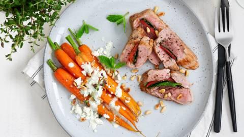 Filet mignon farci, carottes miel-thym et sauce aux aromates