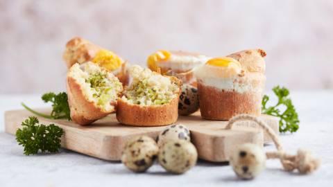 Muffins de brocolis aux lardons et œufs de caille
