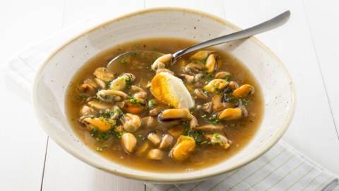 Soupe aux moules et aux champignons