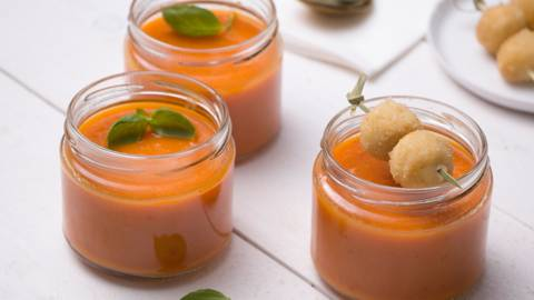 Soupe épicée aux carottes et croquettes de fromage