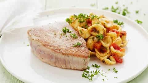 Steak de thon et orecchiette aglio e peperoncino
