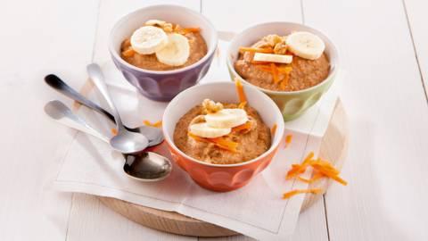 Mug cake aux carottes et aux noix
