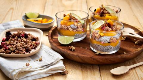Pudding mangue-chia au muesli