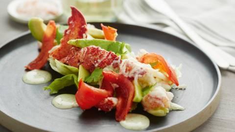 Salade de homard à la tomate confite et au coriandre