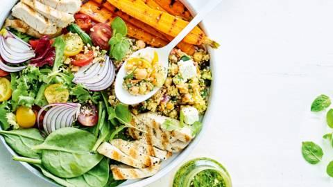 Salade de quinoa, carottes grillées au miel et dinde