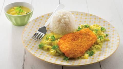 Escalope de poulet panée, sauce curry