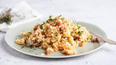 Riz à l'espagnol au poulet et chouriço