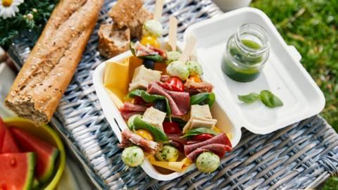 Brochettes d'antipasti et tortilla