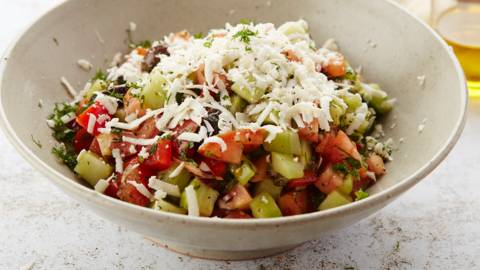 Salade de la mer Noire à la feta et aux olives