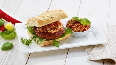 Burger de chorizo à la sauce salsa piquante
