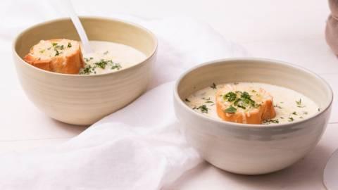 Soupe à l'oignon et croûton au fromage