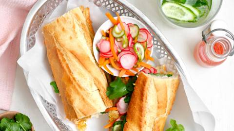 Sandwich vietnamien aux lamelles de porc
