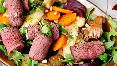 Salade d'automne aux roulés de biche et vinaigrette à la menthe