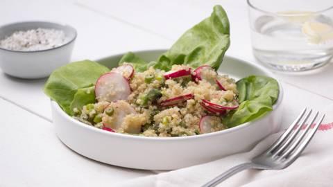Salade de quinoa aux asperges et radis