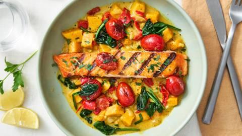 Curry de patates douces et de saumon au lait de coco
