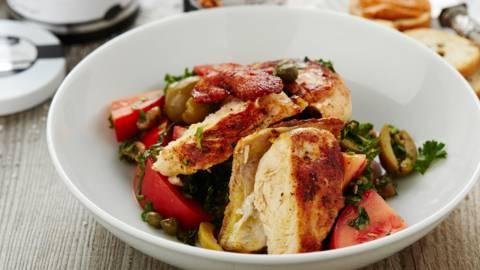 Salade de pintade et sauce tomate