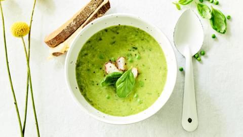 Soupe printanière, croque-monsieur et radis grillés