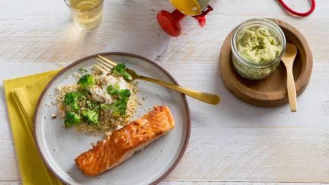 Quinoa au saumon grillé, ricotta et brocoli