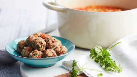 Boulettes de viande hachée pour la soupe