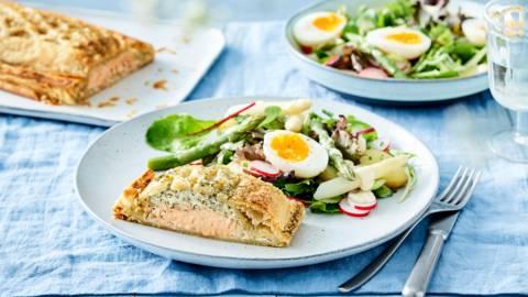 Saumon en croûte et salade d'asperges