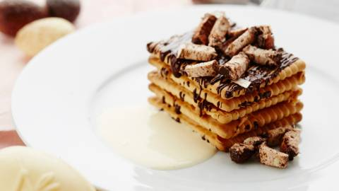 Tarte au petit-beurre et sauce à la vanille