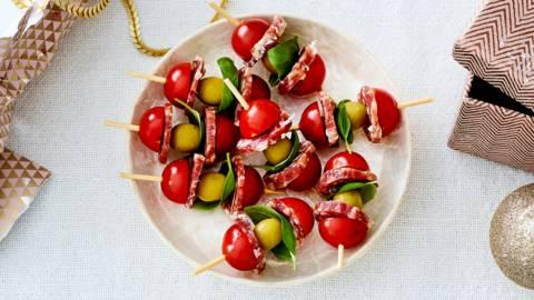 Brochette de tomate cerise et salami