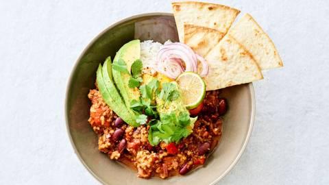 Chili sin carne végan au guacamole et tortillas
