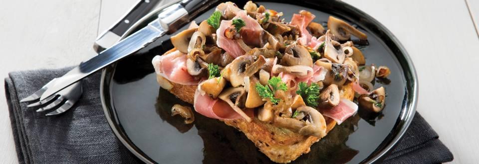 Toast aux champignons avec pain spekkel