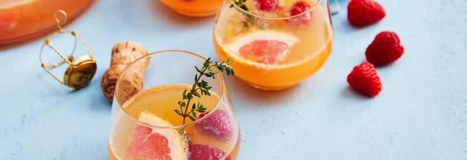 Bowl de punch fruité au champagne