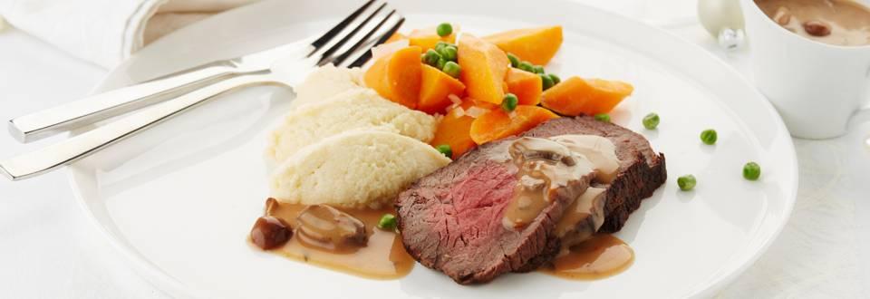 Rosbif aux petits pois, carottes et sauce aux champignons