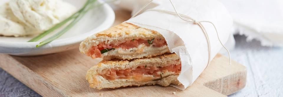 Panini fromage frais, saumon et ciboulette