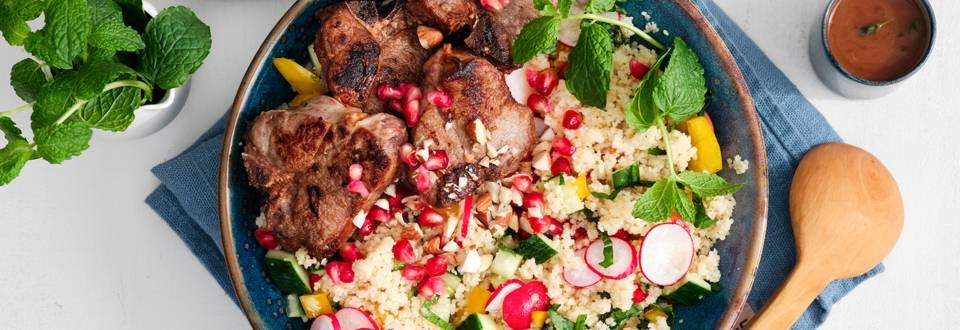 Salade de couscous estivale, côtes d'agneau au miel et sauce au thym