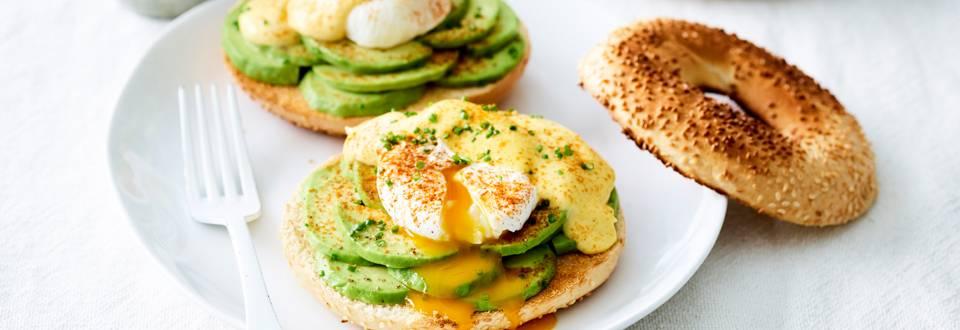 Bagel aux œufs benedict