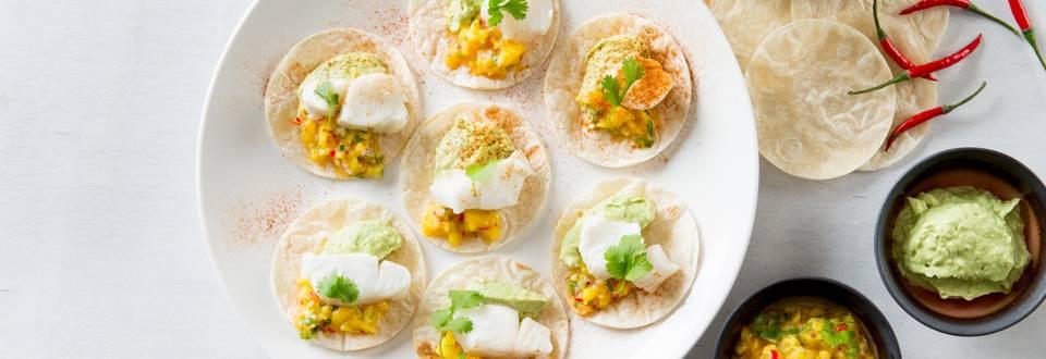 Tacos au cabillaud, sauce à la mangue et guacamole