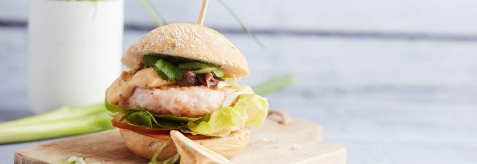 Burgers de scampi et mayonnaise aux herbes