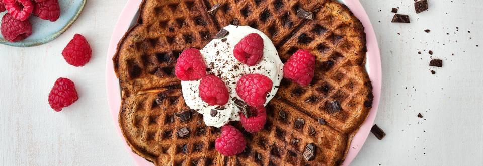 Gaufres au chocolat pour petit déjeuner de luxe
