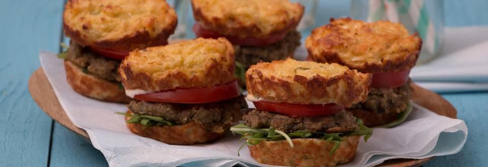 Burger végétarien et petit pain au chou-fleur