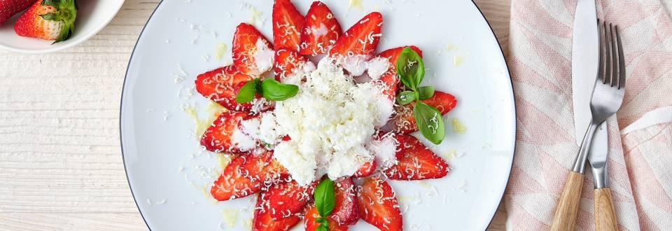 Carpaccio van aardbeien en witte chocolade_PLAY_main