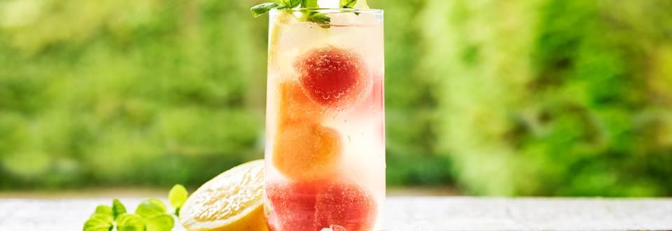 Limonade au citron et perles de melon