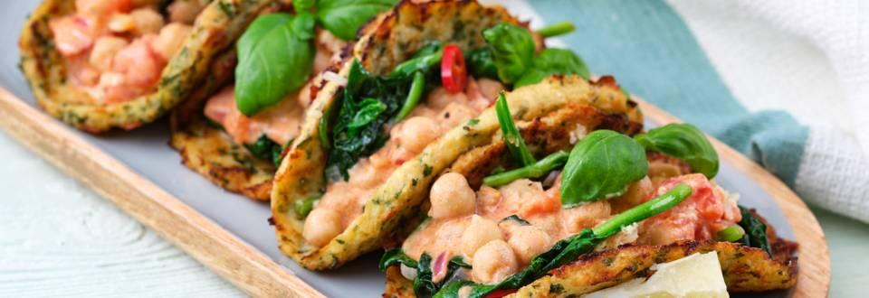 Wrap végétarien de chou-fleur aux pois chiches et épinards
