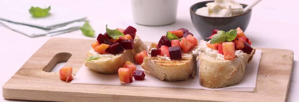 Bruschetta à la betterave rouge & mangue