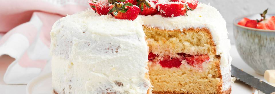 Biscuit aux fraises avec mascarpone et chocolat blanc