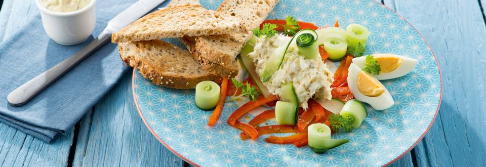 Salade de cabillaud au concombre mariné