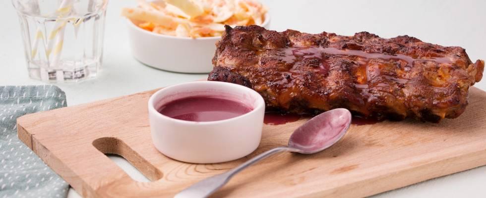 Travers de porc, sauce miel & porto et salade de chou