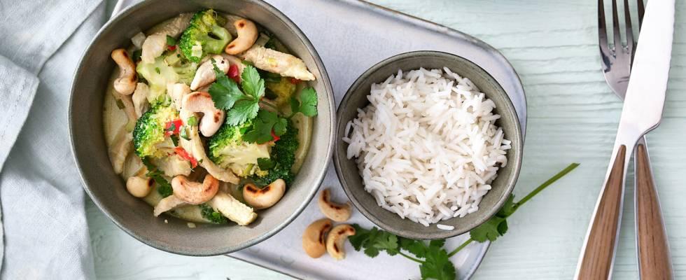 Wok à la viande de porc, brocolis et sauce coco