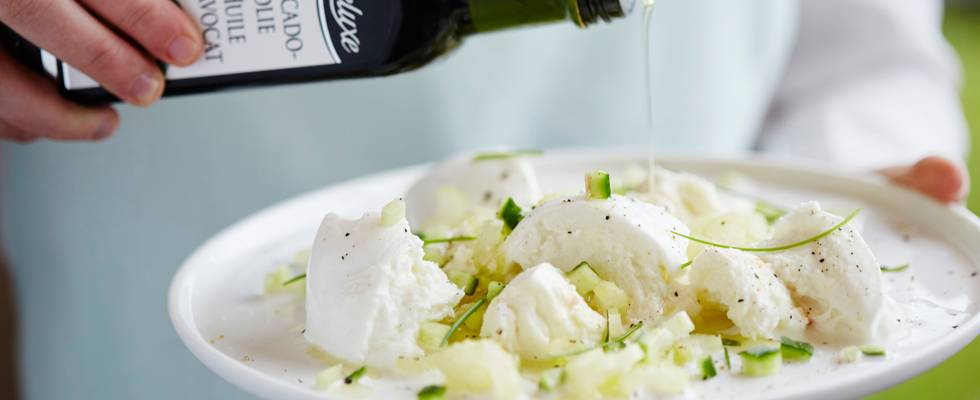 Salade de mozzarella, céleri blanc et concombre